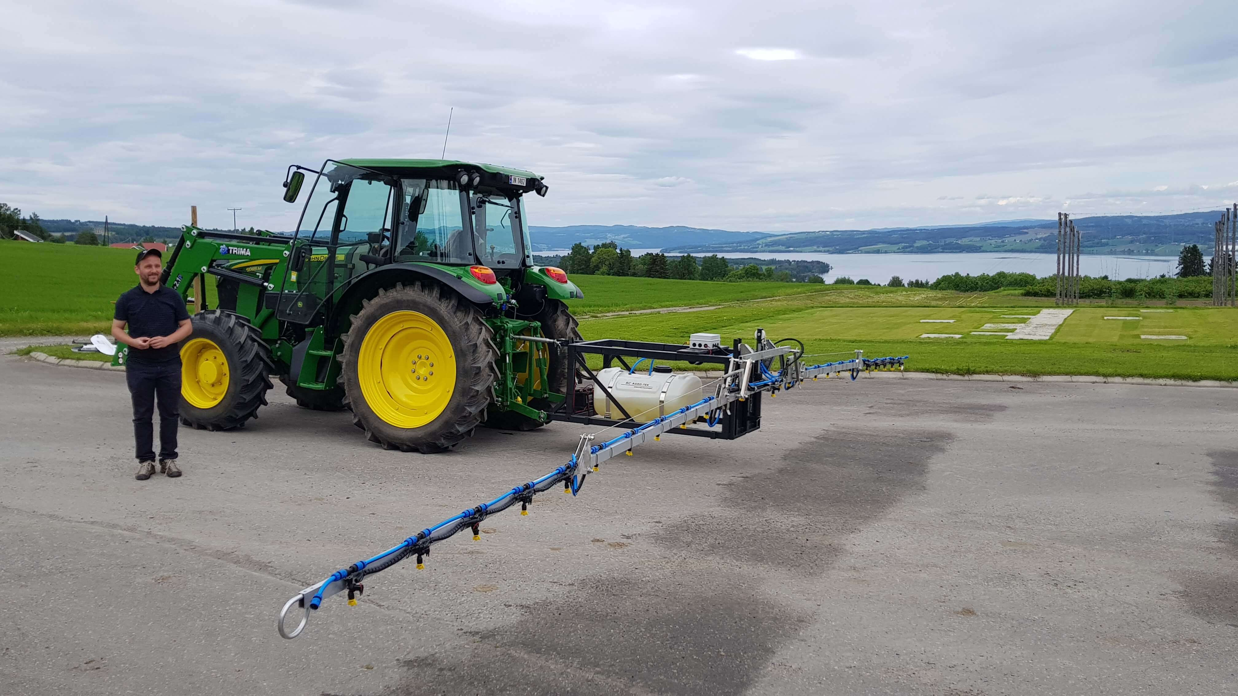 A precise fertilizer applicator prototype