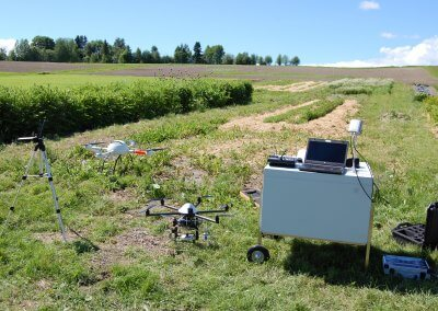 Using UAVs for image and spectrometer based canopy reflection measurements