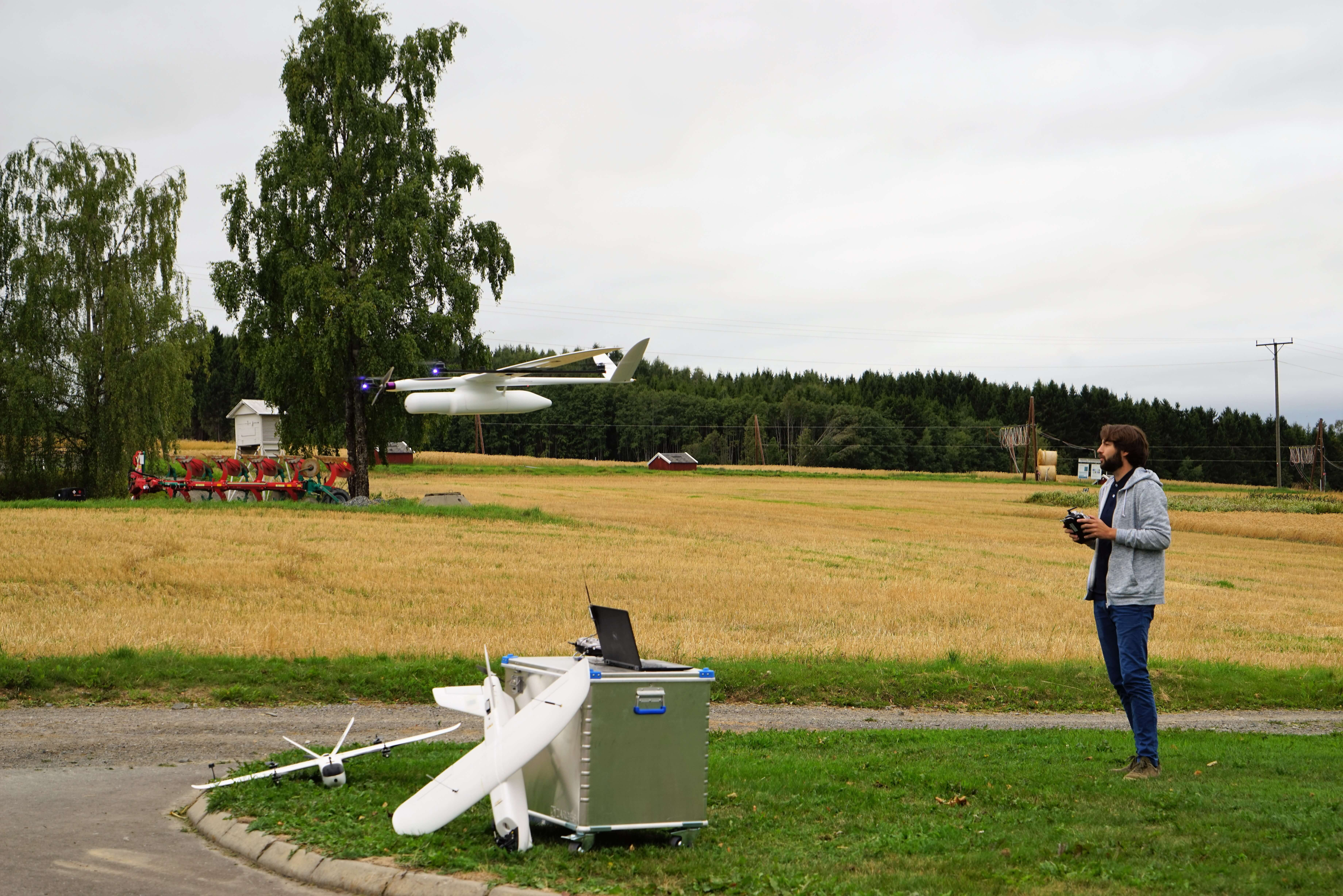 A flight demonstration of the HUGINogMUNIN drone