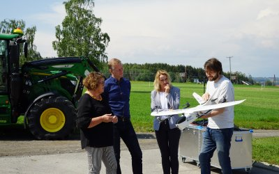 The Minister of Food and Agriculture Olaug Bollestad visits Apelsvoll